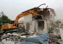 5 ساختمان غیر مجاز در زیارت تخریب شد