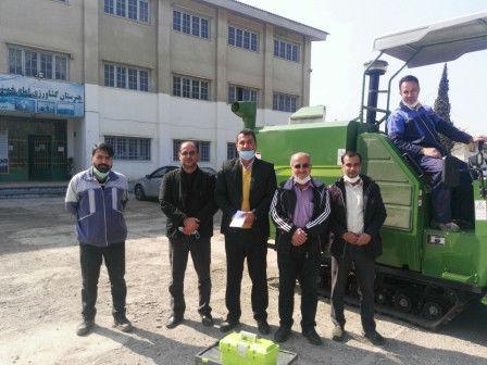 دو عدد کمباین شالی، تحویل هنرستانهای کشاورزی استان گلستان شد