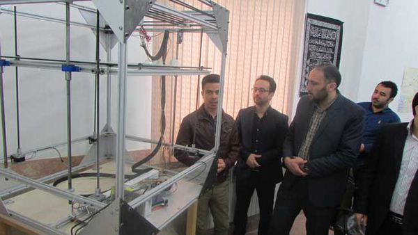 مخترع گلستانی بزرگترین پرینتر سه بعدی کشور را ساخت