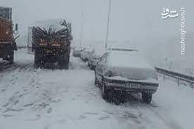 فیلم/ امدادرسانی به ۵۷۰۰ مسافر گرفتار در برف