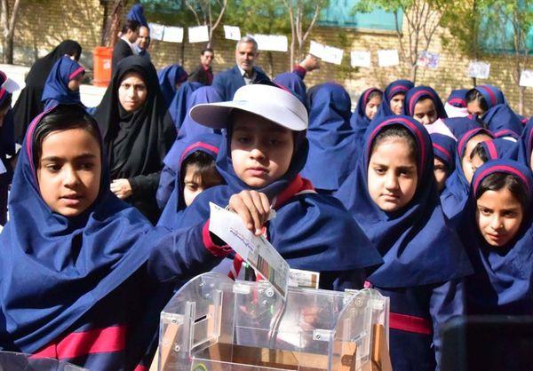 جشن عاطفهها در ۲۵۰۰ مدرسه استان گلستان آغاز شد