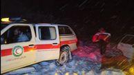 رهاسازی خودروی گرفتار شده در برف و بوران فارسیان گالیکش