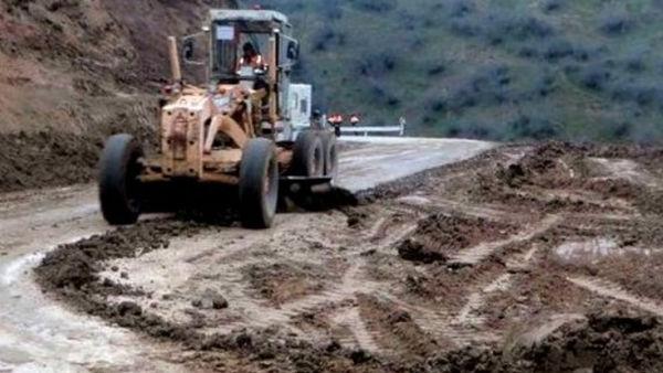 بازگشایی راه ۲۳ روستا در مینودشت