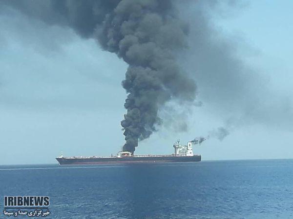 نفتکشهای حادثه دیده در دریای عمان قبل از غرق شدن + عکس