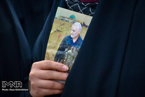 برای یادمان سردار فراخوان بینالمللی داده میشود/ پیشنهاد دفن شهید سلیمانی در توس