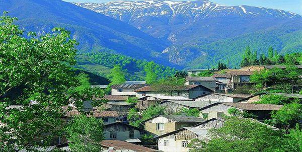 روستای زیارت در معرض خطر رانش زمین!