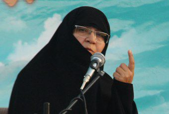 همه ما باید دست به دست هم در خدمت به نظام جمهوری اسلامی باشیم