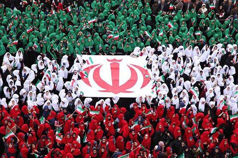 جشن ملی انقلاب  سلیمانی ها آمده اند/ قیام مردم انقلابی در ۵ هزار و ۲۰۰ شهر و روستا