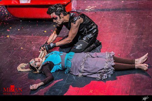 تئاتر یا صحنه مدلینگ و نمایش به اصطلاح بازیگران مانکن نما +عکس