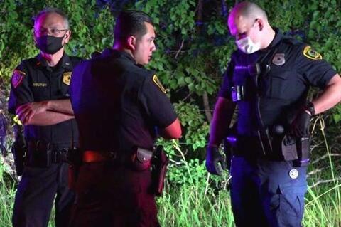 فیلم/ شکستن مچ پای یک سیاهپوست توسط پلیس!