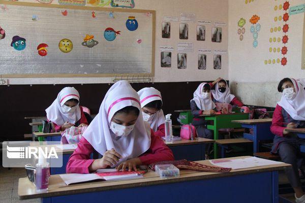 ۴۲ درصد دانشآموزان گنبدکاووس به مدرسه نمیروند