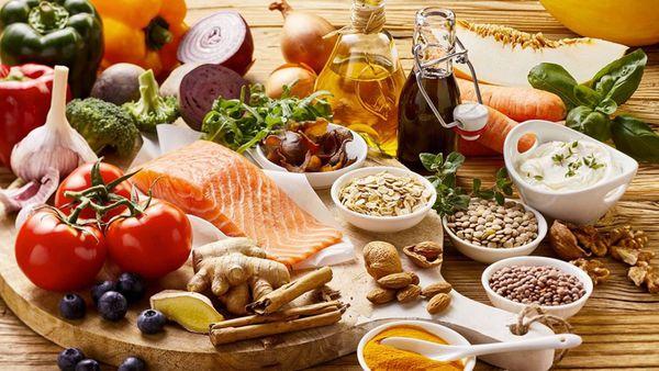 سالمندان از این غذاها حتما بخورند تا سلامت بمانند