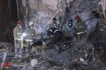عکس/ تلاش بی وقفه در بامداد نهمین روز حادثه پلاسکو