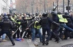 فیلم/ برخورد وحشیانه پلیس اسپانیا با کشاورزان