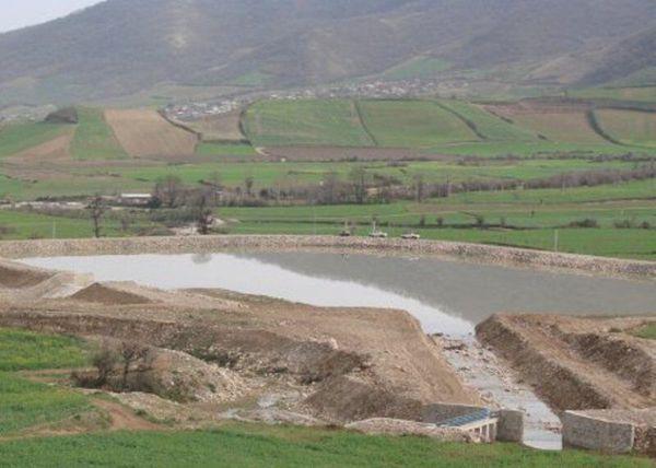 اجرای  بند خاکی خسارت ناشی از  سیل را کاهش می دهد