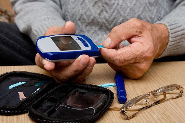 این بیماری باعث اختلال کارکردهای حرکتی در زنان سالمند می شود