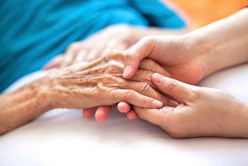 تنهایی، سلامت سالمندان را تهدید میکند
