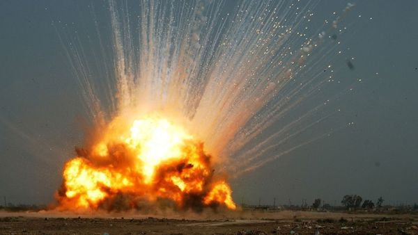 فیلم/ لحظه هجوم و انفجار خودروی انتحاری داعش