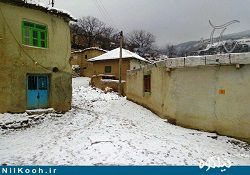 """بارش برف پاییزی روستای """" پادلدل """" گالیکش را سفیدپوش کرد"""