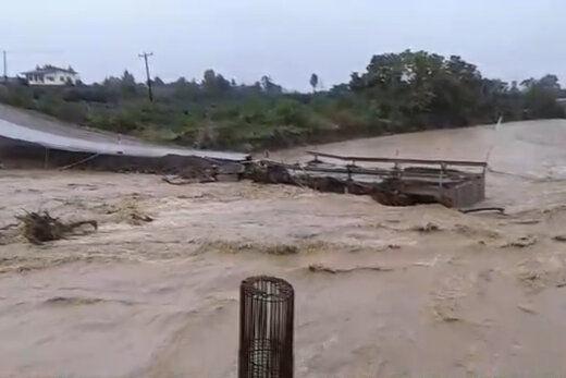 فیلم/ سیلاب و آبگرفتگی شدید در گیلان