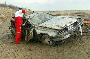 واژگونی پژو 405 در سهراهی دانشمند گلستان/ نجات مصدومان توسط امدادگران هلال احمر