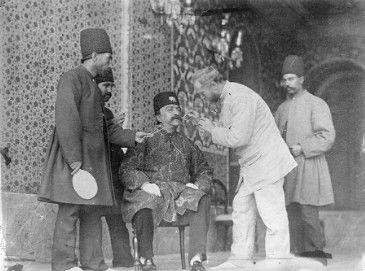 عکس / ناصرالدین شاه و دندانپزشکش