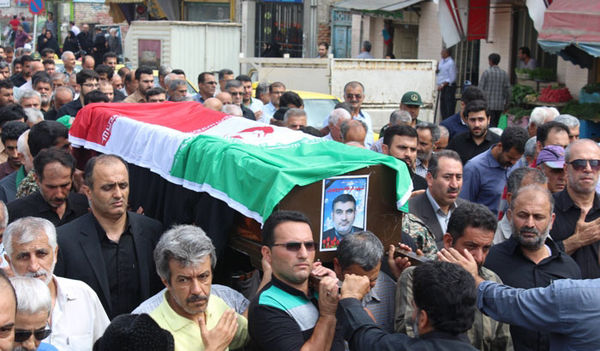 پیکر فرهاد منوچهری جانباز رشید اسلام در گلزار شهدای کردکوی آرام گرفت + تصاویر
