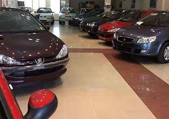 ادامه ریزش قیمت خودرو در بازار/ پیشبینی افت قیمت پراید تا ۴۳ میلیون تومان + جدول
