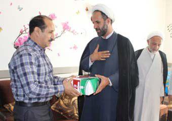 """اهدای تندیس شهید """"محمدرجبلو"""" به خانواده این شهید + عکس"""