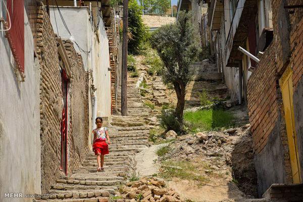 واکنش یکی از فعالان مجازی استان / با فقر درون خانه ها چه میکنید؟