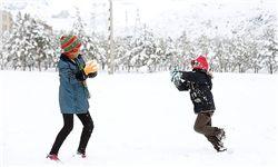 بارش برف برخی مدارس ۸ استان را تعطیل کرد