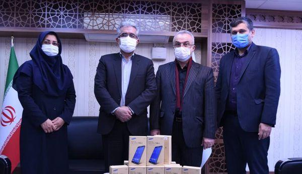 مرکز آمار ایران ۵۰۰ دستگاه تبلت به دانشآموزان گلستانی اهدا کرد