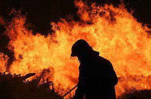 سوختگی ۳ آتش نشان بر اثر حریق لباسفروشی در گرگان