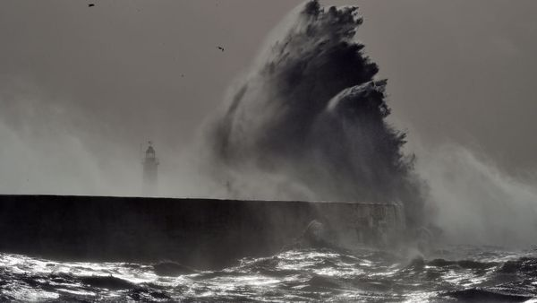 هشدار هواشناسی گلستان؛ صیادان و مردم به دریا نزدیک نشوند