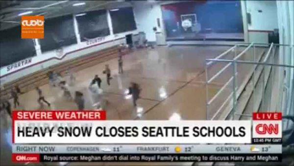 فیلم / تصاویر هولناک از لحظه وزش طوفان سهمگین در شرق آمریکا