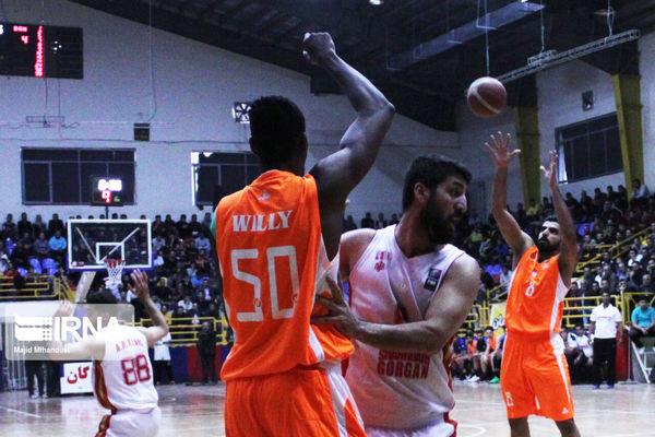 بازیکن تیم بسکتبال شهرداری گرگان: انتظار از تیم ما قهرمانی است