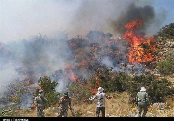 حریق در مناطق کوهستانی درازنوی کردکوی ادامه دارد