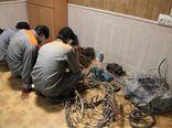 سارق حرفهای کابل برق در گنبدکاووس دستگیر شد