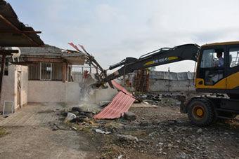 قلع و قمع 15 بنای غیرمجاز در سه روستای شهر گرگان