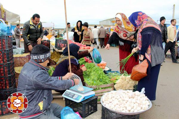 گزارش تصویری از حال و هوای بازار آق قلا در روز پایانی سال 1394