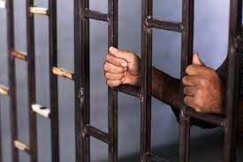 مرخصی ۲۰ روزه رئیسی به ۴۰ هزار زندانی رو ندیدن؟