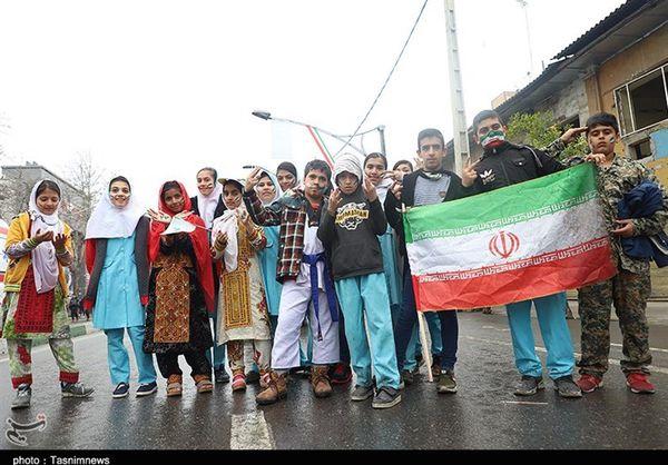 حضور اقوام مختلف گلستانی در راهپیمایی یوم الله ۲۲ بهمن+تصاویر