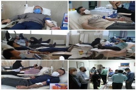کمک مومنانه اهدای خون کارکنان بیمه سلامت استان به بیماران نیازمند به خون