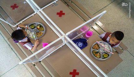 عکس/ غذاخوری یک مدرسه در روزهای کرونایی