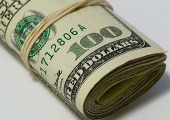 شکست سیاست های ارزی دولت در کمتر از یک ماه/ فروش دلار 7200 تومانی در بازار سیاه