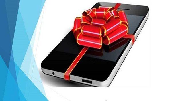 اهدای 7 دستگاه تبلت توسط معلم فداکار گلستانی به دانش آموزان نیازمند