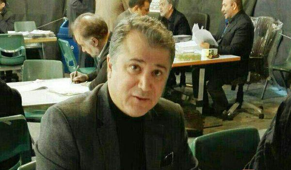 ثبت نام محمدرضا عیوضی خواننده پاپ در انتخابات شورای شهر تهران