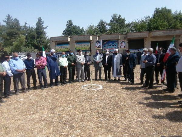 مراسم کلنگ زنی و احداث یک باب دبیرستان در روستای کنگور شهرستان کلاله برگزار شد