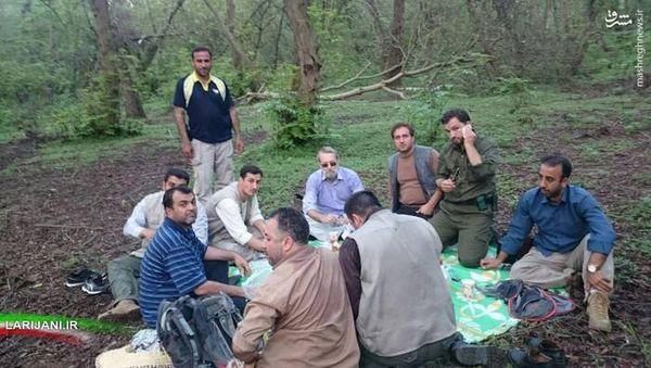 عکس/ کوهنوردی لاریجانی در جنگلهای مازندران