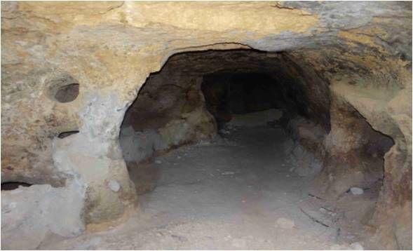 عملیات استحکامبخشی در ورودی غار گلستان نیر انجام میشود